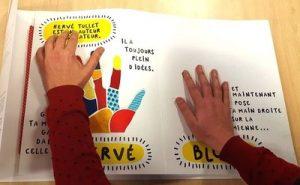 livre tactile pour déficients visuels